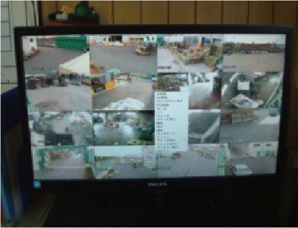 監視カメラモニター
